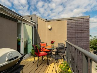 "Photo 7: 832 W 7TH Avenue in Vancouver: Fairview VW Townhouse for sale in ""Casa del Arroyo"" (Vancouver West)  : MLS®# R2274661"