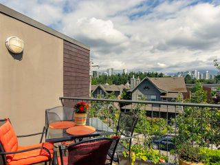 "Photo 1: 832 W 7TH Avenue in Vancouver: Fairview VW Townhouse for sale in ""Casa del Arroyo"" (Vancouver West)  : MLS®# R2274661"