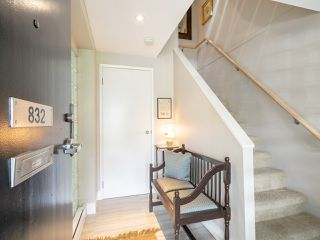 "Photo 3: 832 W 7TH Avenue in Vancouver: Fairview VW Townhouse for sale in ""Casa del Arroyo"" (Vancouver West)  : MLS®# R2274661"