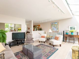"Photo 11: 832 W 7TH Avenue in Vancouver: Fairview VW Townhouse for sale in ""Casa del Arroyo"" (Vancouver West)  : MLS®# R2274661"
