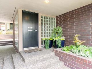 "Photo 2: 832 W 7TH Avenue in Vancouver: Fairview VW Townhouse for sale in ""Casa del Arroyo"" (Vancouver West)  : MLS®# R2274661"