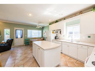 """Main Photo: 913 FOURTEENTH Street in New Westminster: West End NW House for sale in """"West End"""" : MLS®# R2293009"""