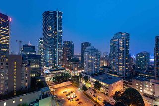 "Photo 1: 1907 565 SMITHE Street in Vancouver: Downtown VW Condo for sale in ""VITA"" (Vancouver West)  : MLS®# R2298789"