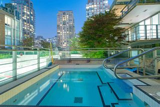 "Photo 12: 1907 565 SMITHE Street in Vancouver: Downtown VW Condo for sale in ""VITA"" (Vancouver West)  : MLS®# R2298789"