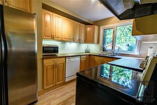 Photo 7: 305 Wildwood Park in Winnipeg: Wildwood Residential for sale (1J)  : MLS®# 1824013