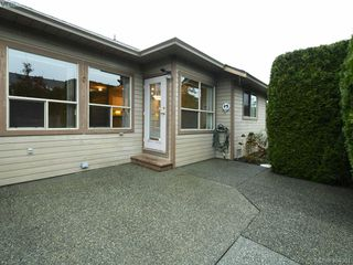 Photo 23: 201 4515 Pipeline Road in VICTORIA: SW Royal Oak Townhouse for sale (Saanich West)  : MLS®# 404361