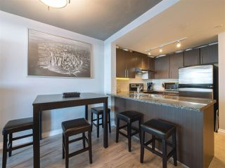 "Main Photo: 2010 898 CARNARVON Street in New Westminster: Downtown NW Condo for sale in ""AZURE I"" : MLS®# R2334597"