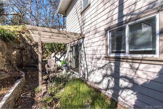 Photo 9: 6 1080 Greenridge Crescent in VICTORIA: SE Quadra Townhouse for sale (Saanich East)  : MLS®# 405675