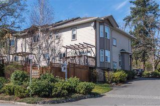 Photo 1: 6 1080 Greenridge Crescent in VICTORIA: SE Quadra Townhouse for sale (Saanich East)  : MLS®# 405675