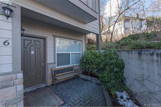 Photo 3: 6 1080 Greenridge Crescent in VICTORIA: SE Quadra Townhouse for sale (Saanich East)  : MLS®# 405675