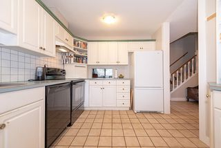 "Photo 5: 417 4001 MT SEYMOUR Parkway in North Vancouver: Roche Point Townhouse for sale in ""The Maples"" : MLS®# R2345217"