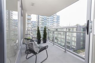 "Photo 11: 602 1708 COLUMBIA Street in Vancouver: False Creek Condo for sale in ""Wall Centre False Creek West Tower One"" (Vancouver West)  : MLS®# R2345448"