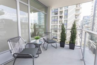 "Photo 12: 602 1708 COLUMBIA Street in Vancouver: False Creek Condo for sale in ""Wall Centre False Creek West Tower One"" (Vancouver West)  : MLS®# R2345448"