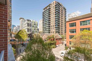 "Photo 8: 407 1133 HOMER Street in Vancouver: Yaletown Condo for sale in ""H&H"" (Vancouver West)  : MLS®# R2359533"