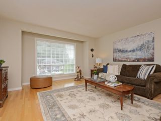"Photo 2: 2193 HIXON Court in North Vancouver: Indian River House for sale in ""INDIAN RIVER"" : MLS®# R2360303"