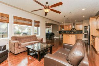 Photo 4: 6904 13 Avenue in Edmonton: Zone 53 House for sale : MLS®# E4154881