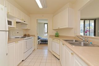 "Photo 9: 307 3070 GUILDFORD Way in Coquitlam: North Coquitlam Condo for sale in ""LAKESIDE TERRACE"" : MLS®# R2367699"
