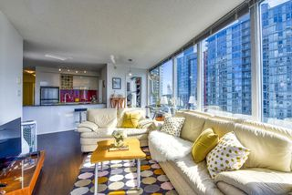 "Photo 3: 2003 602 CITADEL Parade in Vancouver: Downtown VW Condo for sale in ""SPECTRUM 4"" (Vancouver West)  : MLS®# R2377722"