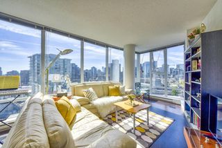 "Photo 2: 2003 602 CITADEL Parade in Vancouver: Downtown VW Condo for sale in ""SPECTRUM 4"" (Vancouver West)  : MLS®# R2377722"