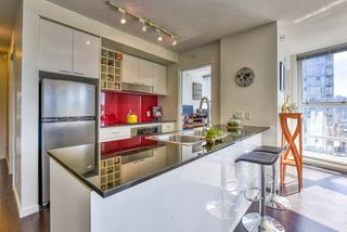 "Photo 7: 2003 602 CITADEL Parade in Vancouver: Downtown VW Condo for sale in ""SPECTRUM 4"" (Vancouver West)  : MLS®# R2377722"