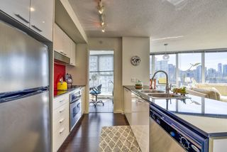 "Photo 8: 2003 602 CITADEL Parade in Vancouver: Downtown VW Condo for sale in ""SPECTRUM 4"" (Vancouver West)  : MLS®# R2377722"