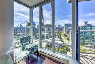 "Photo 5: 2003 602 CITADEL Parade in Vancouver: Downtown VW Condo for sale in ""SPECTRUM 4"" (Vancouver West)  : MLS®# R2377722"