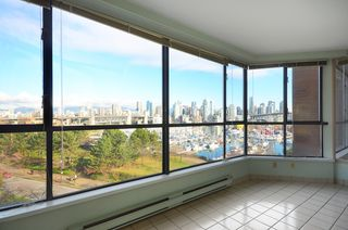 Photo 4: 502 1490 Pennyfarthing Drive in Harbour Cove: False Creek Home for sale ()  : MLS®# V1045657