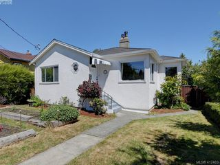 Photo 1: 2551 Foul Bay Road in VICTORIA: OB Henderson Single Family Detached for sale (Oak Bay)  : MLS®# 412463