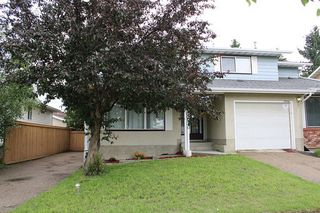 Photo 1: 11016 Beaumaris Road NW in Edmonton: Zone 27 House Half Duplex for sale : MLS®# E4164435