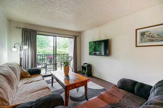 "Photo 8: 211 9952 149 Street in Surrey: Guildford Condo for sale in ""Tall Timbers"" (North Surrey)  : MLS®# R2387203"