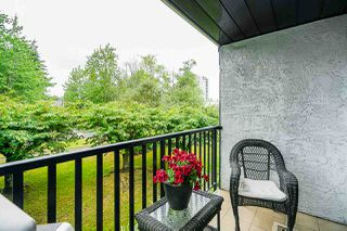 "Photo 15: 211 9952 149 Street in Surrey: Guildford Condo for sale in ""Tall Timbers"" (North Surrey)  : MLS®# R2387203"
