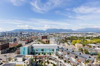 Photo 4: 1610 285 E 10 AVENUE in Vancouver: Mount Pleasant VE Condo for sale (Vancouver East)  : MLS®# R2382603