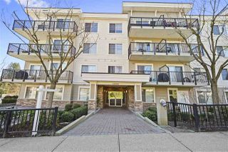 "Photo 1: 402 22290 NORTH Avenue in Maple Ridge: West Central Condo for sale in ""Solo"" : MLS®# R2388810"