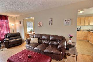 Photo 2: 15404 121 Street in Edmonton: Zone 27 House Half Duplex for sale : MLS®# E4185244
