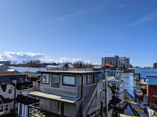 """Photo 3: 2E1 8191 RIVER Road in Richmond: West Cambie House for sale in """"RICHMOND MARINA"""" : MLS®# R2448366"""
