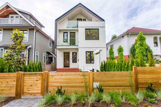Photo 2: 1336 E 13TH Avenue in Vancouver: Grandview Woodland House 1/2 Duplex for sale (Vancouver East)  : MLS®# R2462761
