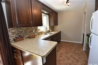 Photo 2: 206 Cartha Drive in Nipawin: Residential for sale : MLS®# SK826195