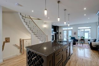 Photo 6: 732 34 Street NW in Calgary: Parkdale Semi Detached for sale : MLS®# A1056903