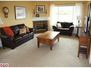 Photo 4: 5 2023 WINFIELD Drive in Abbotsford: Abbotsford East Townhouse for sale : MLS®# F1106171