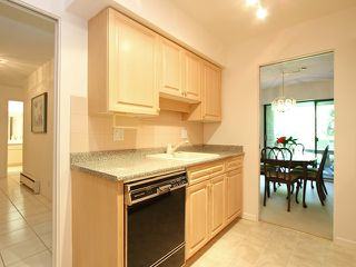 "Photo 5: 111 2298 MCBAIN Avenue in Vancouver: Quilchena Condo for sale in ""ARBUTUS VILLAGE"" (Vancouver West)  : MLS®# V900517"