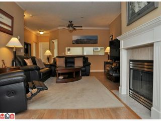 "Photo 5: 423 13880 70TH Avenue in Surrey: East Newton Condo for sale in ""CHELSEA GARDENS"" : MLS®# F1200411"