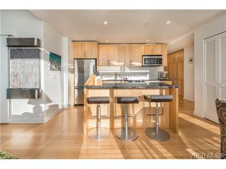 Photo 2: 602 399 Tyee Road in VICTORIA: VW Victoria West Condo Apartment for sale (Victoria West)  : MLS®# 330664