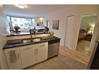 "Photo 7: 204 1688 CYPRESS Street in Vancouver: Kitsilano Condo for sale in ""Yorkville South"" (Vancouver West)  : MLS®# V1054702"