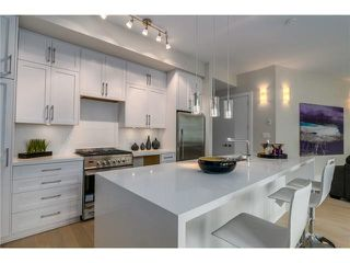 "Photo 5: 201 2028 YORK Avenue in Vancouver: Kitsilano Townhouse for sale in ""YORK"" (Vancouver West)  : MLS®# V1071116"