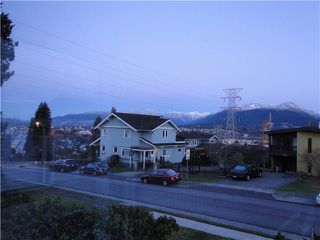 Photo 2: 3726 TRINITY Street in Burnaby: Vancouver Heights House for sale (Burnaby North)  : MLS®# V1096572