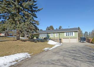 Photo 1: 311 E Concession 8 Road in Hamilton: Carlisle House (Bungalow) for sale : MLS®# X3153226