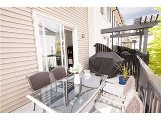"""Photo 15: 74 101 FRASER Street in Port Moody: Port Moody Centre Townhouse for sale in """"CORBEAU"""" : MLS®# V1116275"""