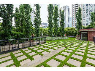 "Photo 17: 2902 928 HOMER Street in Vancouver: Yaletown Condo for sale in ""YALETOWN PARK"" (Vancouver West)  : MLS®# V1125187"