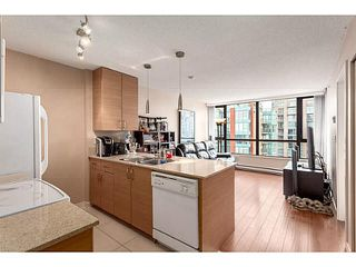 "Photo 2: 2902 928 HOMER Street in Vancouver: Yaletown Condo for sale in ""YALETOWN PARK"" (Vancouver West)  : MLS®# V1125187"