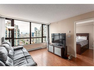 "Photo 3: 2902 928 HOMER Street in Vancouver: Yaletown Condo for sale in ""YALETOWN PARK"" (Vancouver West)  : MLS®# V1125187"